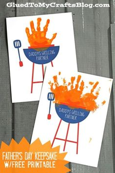 Homemade hand print Daddy's Grilling Partner Keepsake w/free printable. A cute gift idea for Father's Day that is fun and includes the kids. Daycare Crafts, Baby Crafts, Preschool Crafts, Preschool Ideas, Easy Fathers Day Craft, Fathers Day Art, Toddler Fathers Day Gifts, Preschool Fathers Day Gifts, Gifts For Dad