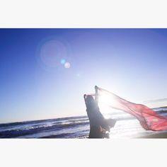 【kailey.0507】さんのInstagramをピンしています。 《海、空、と私✨ ・ #海#カメラマン#カメラマン#カメラマンさんと繋がりたい#オシャレ#作品撮り#モデル#赤#オーシャン#ocean#beautiful#photo#photographer#beach#japan#likeforlike#running#dance#instadaily》