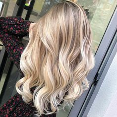 20 Cute and Easy Blonde Balayage Hairstyles – My hair and beauty Strawberry Blonde Hair Dye, Red Blonde Hair, Blonde Hair Looks, Blonde Color, Blonde Highlights, Ash Blonde, Summer Blonde Hair, Platinum Blonde, Perfect Blonde Hair