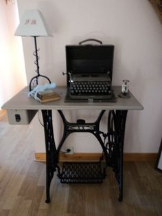 Transformers, Sewing Table, Old And New, Antiques, Images, Singer, Furniture, Home Decor, Ideas