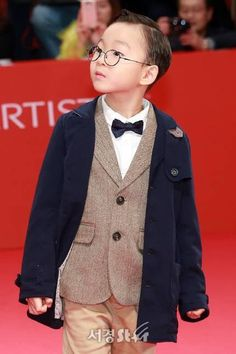in Busan Festival Korean Drama Movies, Korean Dramas, Superman Kids, I Miss You Guys, Man Se, Song Daehan, Song Triplets, Baby Boy, Interior Sketch