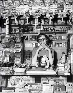 vintage everyday: Young woman tending at a Walgreens Drug Store in Boise, Idaho, 1958 Vintage Pictures, Old Pictures, Old Photos, Creepy Pictures, Vintage Images, Midcentury Modern, Shops, Historical Images, Historical Society