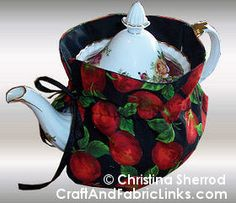 Keep your tea hot by making this insulated tea cozy.