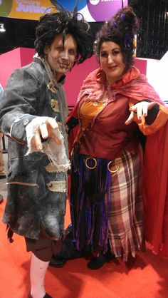 To attendees at the Disney Expo They TOTALLY have the Hocus Pocus look! Disney Cosplay Costumes, Disney Halloween Costumes, Halloween Party Decor, Black Flame Candle, Expo 2015, Hocus Pocus, Costume Ideas, Wonder Woman, Decorations