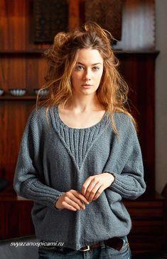 Женский пуловер с рукавом летучая мышь спицами