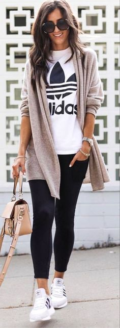 Mode Best Spring Outfits Casual 2019 for Women Ease Bug Bites with Easy Herbs Summertime means Legging Outfits, Athleisure Outfits, Cardigan Outfits, Cardigan Fashion, Vneck Outfit, Shirt Dress, Casual Fall Outfits, Spring Outfits, Cool Outfits