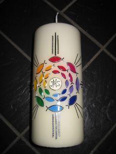 Kommunionkerzen - Kerze mit Regenbogen-Fischen und Kreuz - ein Designerstück von Kerzenschmuck bei DaWanda