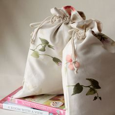 English garden: handmade drawstring travel or lingerie cotton bags with lining