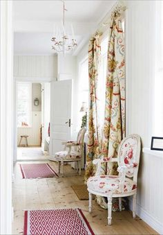 5 Persevering Tips AND Tricks: Shabby Chic Furniture Ideas shabby chic furniture how to make.Shabby Chic Wardrobe Home shabby chic desk colour. Porche Shabby Chic, Baños Shabby Chic, Shabby Chic Wardrobe, Shabby Chic Office, Shabby Chic Wall Decor, Shabby Chic Curtains, Shabby Chic Living Room, Shabby Chic Interiors, Shabby Chic Kitchen