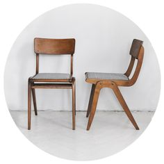 Krzesło tapicerowane Typ 299XB Producent: Zjednoczenie Przemysłu Meblarskiego Gościcińska Fabryka Mebli Przełom lata 50/60
