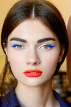 Orange lips are one of the biggest and hottest when it comes to this season's beauty and makeup trends. Read on and see how you can rock this amazing lip color. Makeup Trends, Beauty Trends, Makeup Tips, Hair Makeup, Eyeliner Makeup, Makeup Ideas, Makeup Quiz, Makeup Names, Eyeliner Styles