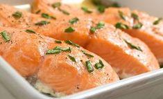 Jos et halua ylikypsää lohta, kokeile Pippuri.fi:n keittiömestari Risto Mikkolan ohjetta. Seafood Dishes, Fish And Seafood, Fish Recipes, Seafood Recipes, Kefir, Salmon, Curry, Good Food, Food And Drink