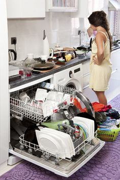 Running a home, taking care of kids, helping your aging parents, and holding down a job are huge responsibilities. If you're trying jam 20 hours worth of tasks into a day, it's going to be nearly impossible to stay organized. Declutter Your Home, Organizing Your Home, Cleaning Solutions, Cleaning Hacks, Cleaning Products, Messy Kitchen, Clutter Control, Getting Rid Of Clutter, Clutter Free Home