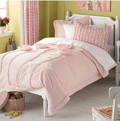 10 Colorful Bedding Ideas for Girl's Bedrooom