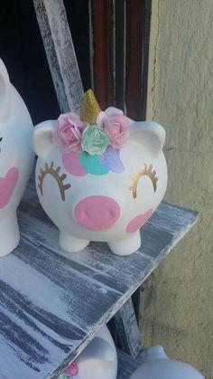 Recuerdos de cumpleaños de niña Party Unicorn, Unicorn Birthday, Clay Pot Crafts, Fun Crafts, Pig Baby Shower, Little Pony Party, Wine Craft, Cute Piggies, Summer Crafts For Kids