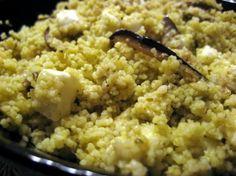 Particolare cous cous con pesto, melanzane e mozzarella