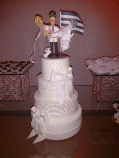 Bolo fake de casamento feito em Biscuit.  Personalize seu bolo, consulte condições.