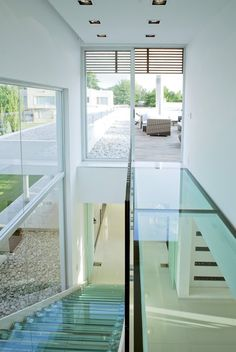 World of Architecture: Top 17 Glass Floor Ideas For Ultra Modern Homes Glass Walkway, Glass Stairs, Glass Bridge, Contemporary Architecture, Interior Architecture, Ecole Design, Ultra Modern Homes, Infinity Pools, Glass Floor
