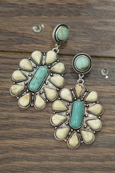 JChronicles Natural Turquoise Post-Earrings from Texas — Shoptiques Bohemian Jewelry, Jewelry Art, Jewelry Accessories, Vintage Jewelry, Ethnic Jewelry, Fashion Accessories, Coral Turquoise, Turquoise Earrings, American Indian Jewelry