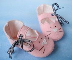 Baby Fleece Booties Sewing Pattern   ... Downloadable Patterns » Precious Patterns » Kitty Booties Pattern