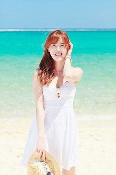 12 Beautiful K-Pop Idols Who Created Fun Summer Memories Han Sunhwa, Beach Dresses, Summer Dresses, Korean Fashion Ulzzang, Loren Gray, Summer Memories, Korean Celebrities, Beach Girls, Korean Girl