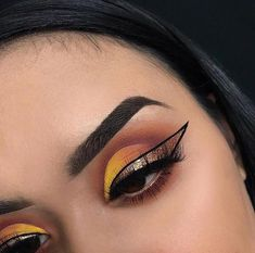 OMG look at this! So beautiful & These makeup looks are true inspiration! Girls Makeup, Glam Makeup, Party Makeup, Makeup Inspo, Makeup Art, Makeup Inspiration, Makeup Goals, Makeup Tips, Makeup Ideas