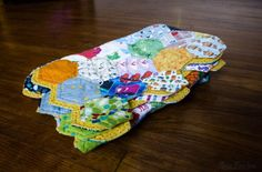 Binding a hexie quilt without using tape--keeping the edges in hexagon shape.