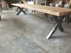 TRES GRANDE TABLE DE 3.5 M EN BOIS RECYCLE ET METAL INDUSTRIELLE METIER USINE