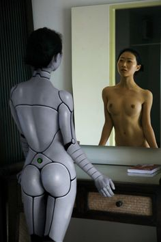 Gynoid via @missmetaverse www.futuristmm.com