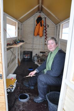 Women know the best tricks: Ice fishing cabin Photo: Marko Rautaparta Best Fishing, Ice Fishing, Online Travel, Scandinavian Living, Travel Agency, Finland, Home Appliances, Cabin, Good Things