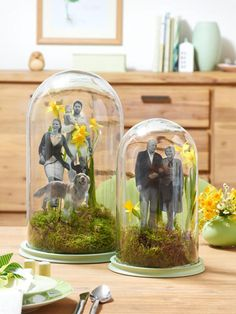 It& that easy: Spring-like glass shower decoration Mason Jar Crafts, Bottle Crafts, Mason Jars, Diy Craft Projects, Fun Crafts, Diy And Crafts, Handmade Christmas Gifts, Handmade Gifts, Mobiles Art