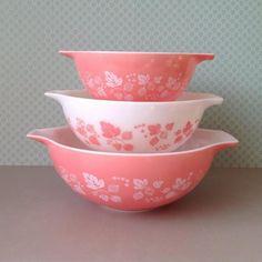 Vintage Pyrex Pink Gooseberry Cinderella Bowls 442 by RosieFleur