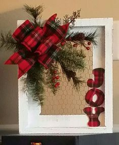 holiday wreaths Last Minute DIY Christmas Decorations on a Budget Picture Frame Wreaths Picture Frame Wreath, Christmas Picture Frames, Picture Frame Crafts, Christmas Wood, Christmas Design, Homemade Christmas, Christmas Time, Christmas Ideas, Plaid Christmas