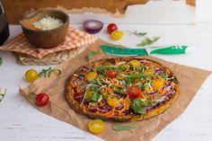 ¿Quién se resiste a una pizza con masa finita con bordes crujientes? esta versión es muy saludable, con poquitos ingredientes y además SIN gluten!