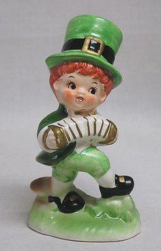 Vintage LEFTON St. Patrick's Irish Boy Leprechaun Figure Plays Concertina #963
