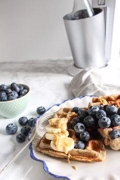 Gesunde Blaubeer-Buchweizen-Waffeln mit Waldbeer-Chia-Sauce - rein pflanzlich, vegan, vegetarisch, ohne raffinierten Zucker, glutenfrei - de.heavenlynnhealthy.com