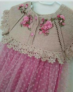 """[ """"Beautiful knitting with crochet edges! Link seems to be broken but idea see. [ """"Beautiful knitting with crochet edges! Link seems to be broken but idea seems simple enough. Knitting For Kids, Baby Knitting Patterns, Baby Patterns, Hand Knitting, Crochet Patterns, Crochet Girls, Crochet For Kids, Knit Crochet, Simple Crochet"""