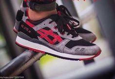 ASICS GEL-Lyte III 3 H635L men's running shoes black/classic red 100% AUTHENTIC! #basics #RunningCrossTraining