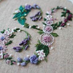소피아의프랑스자수 (@sophia_embroidery) • Fotos y vídeos de Instagram Diy And Crafts, Coin Purse, Instagram, Photo And Video, Embroidery, Stitches, Alphabet, Sketches, Beautiful Dolls