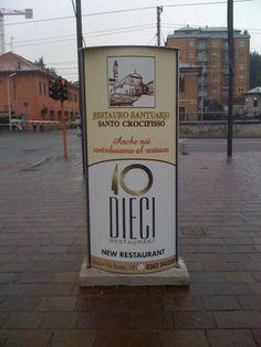 Totem pubblicitario per l'operazione raccolta fondi per il Restauro Santuario Santo Crocifisso Meda