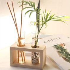 Best Indoor Garden Ideas for 2020 - Modern House Plants Decor, Plant Decor, Diy Home Crafts, Wood Crafts, Room Partition Designs, Modern Plant Stand, Wood Planters, Plant Shelves, Flower Boxes