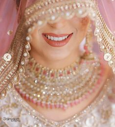 A guide on how to slay your bridal poses this wedding season! Bridal Portrait Poses, Bridal Poses, Bridal Photoshoot, Beautiful Girl Indian, Beautiful Bride, New Girl Pic, Indian Wedding Jewelry, Bridal Photography, Portrait Photography