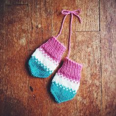 Rocket Pop Baby Mitts Knitting pattern by Andrea Mowry | Knitting Patterns | LoveKnitting