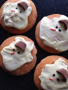 Traktatie sneeuwpop eierkoek kinderen Winter Wonderland Party, Kids Christmas, Afternoon Tea, Good Food, Sweets, Dinner, Desserts, School, Sweet Pastries