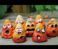 Mini Zombie Candy Corn by mirandascritters. These are tooooooo funny! Halloween Village, Halloween Doll, Holidays Halloween, Halloween Crafts, Halloween Decorations, Halloween Jewelry, Polymer Clay Charms, Polymer Clay Projects, Polymer Clay Art