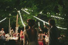 Una boda indie al aire libre made in Spain Festival Wedding, Wedding Night, Wedding Pics, Green Wedding, Wedding Trends, Wedding Bells, Wedding Styles, Wedding Engagement, Wedding Ideas