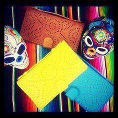 Mexicana Clutch