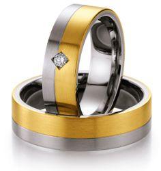 Ringe von Nowotny. Partnerringe in Edelstahl seidenmatt mit Fuge in Kombination mit 585 Gelbgold. 1 Brillant 0,06 ct. W/SI. Breite 6,00 mm. http://www.trauringstudio-berlin.de/nowotny-edelstahl-gold-88st505b88st505-p-1675.html