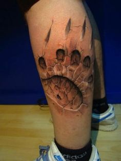 """18 Optical Illusion Tattoos That Will Make You Take A Second Look - The """"Clawed by a werewolf"""" effect. 18 Optical Illusion Tattoos That Will Make You Take A Second - 3d Tattoos For Men, Tattoos Motive, Tattoos Masculinas, Bear Tattoos, Body Art Tattoos, Thigh Tattoos, Sleeve Tattoos, Tatoos, Print Tattoos"""