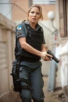 Elsa Pataky - Fast Five Elsa Pataky, Female Cop, Female Soldier, Fast Five, Female Police Officers, Bild Tattoos, Military Women, Women Police, Military Girl